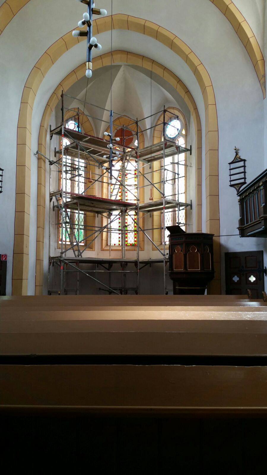 endlich geht es los an der kirche frankenheim. Black Bedroom Furniture Sets. Home Design Ideas