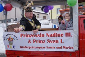 Narretei in Eis und Schnee – Fotos vom großen Karnevalsumzug in Frankenheim am 21. Januar 2018