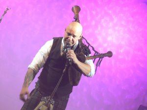 Cornamusa begeistern mit Irisch-Schottischer Musik-Show in der Hochrhönhalle