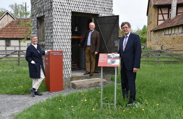 """Jubiläumsausstellung """"Strom für die Rhön"""" eröffnet"""